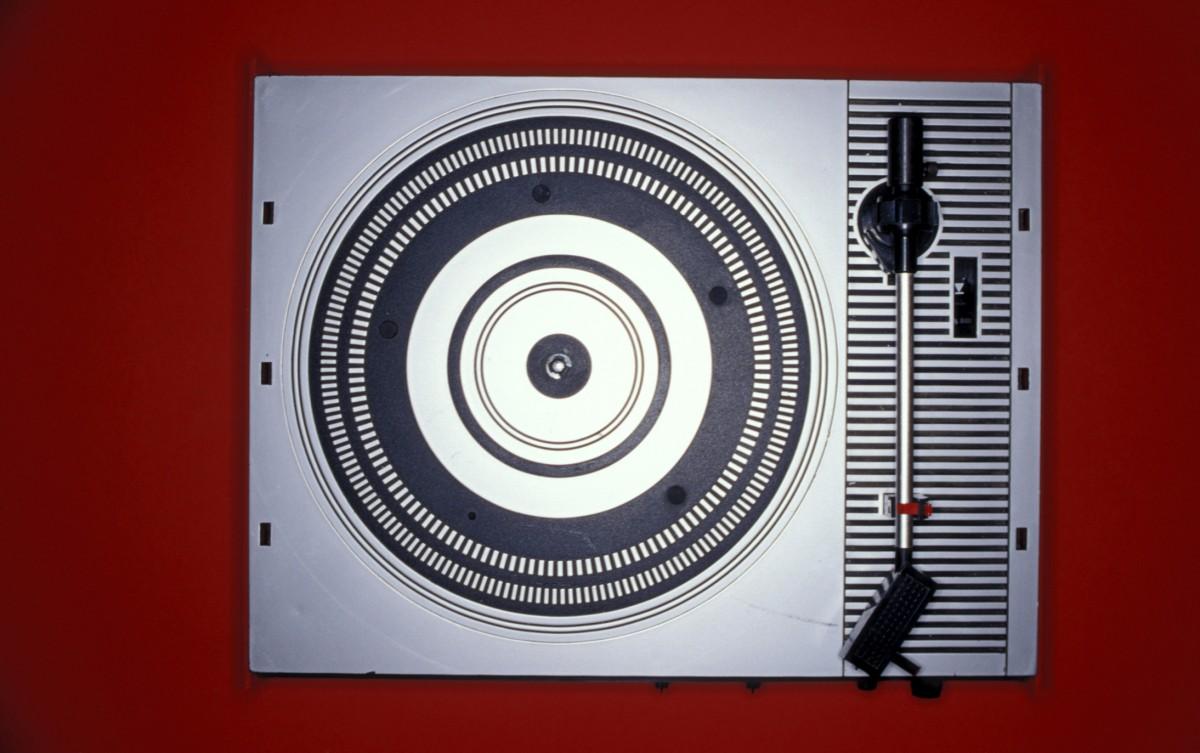 gramofon - retro elektronika