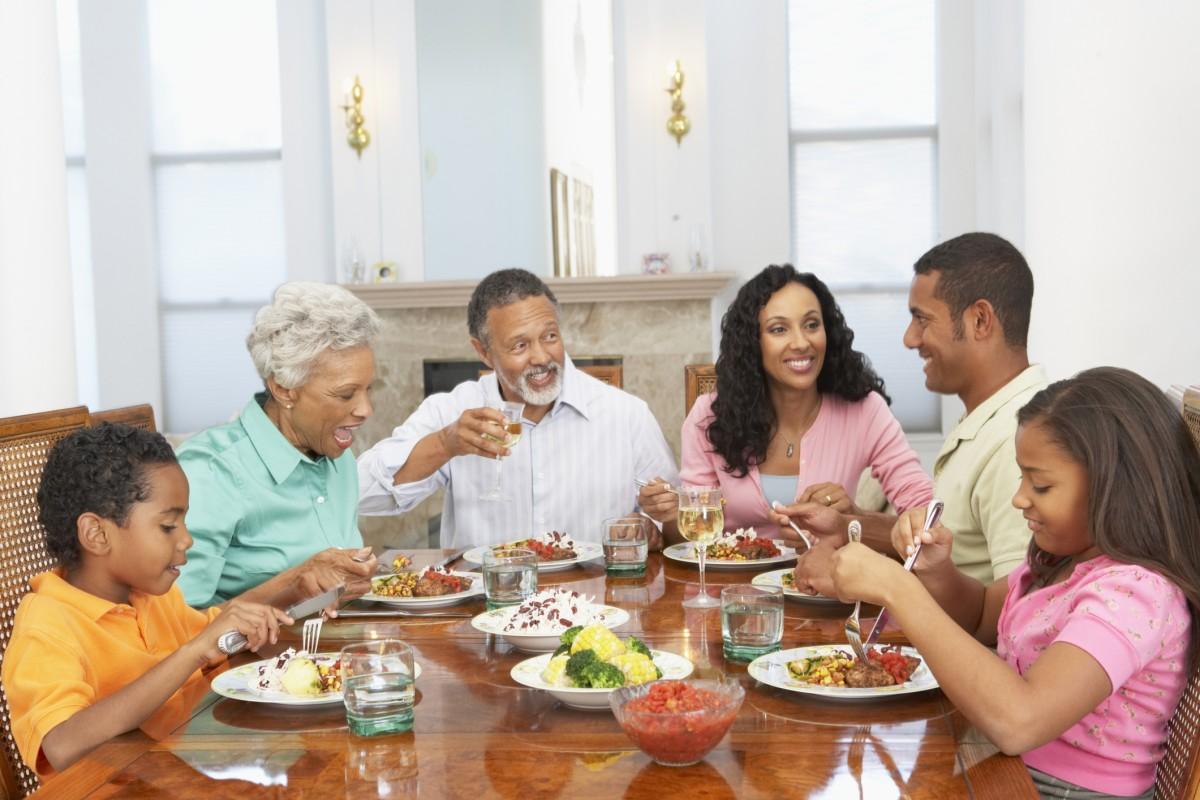 Stůl do jídelně