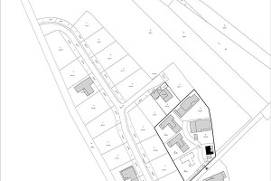 Půl na půl. Tři domy si rozdělili investoři aautoři, tři jsou na prodej. Zpozemku, prostoru, ale isvých schopností tak vytěžili všichni. Architekti tvořivostí, investor důsledným plánováním afinanční návratností, potenciální kupci zkvality samotného projektu.