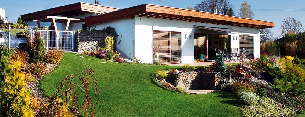 Na severní Moravě stojí nenápadný dům s vegetační střechou