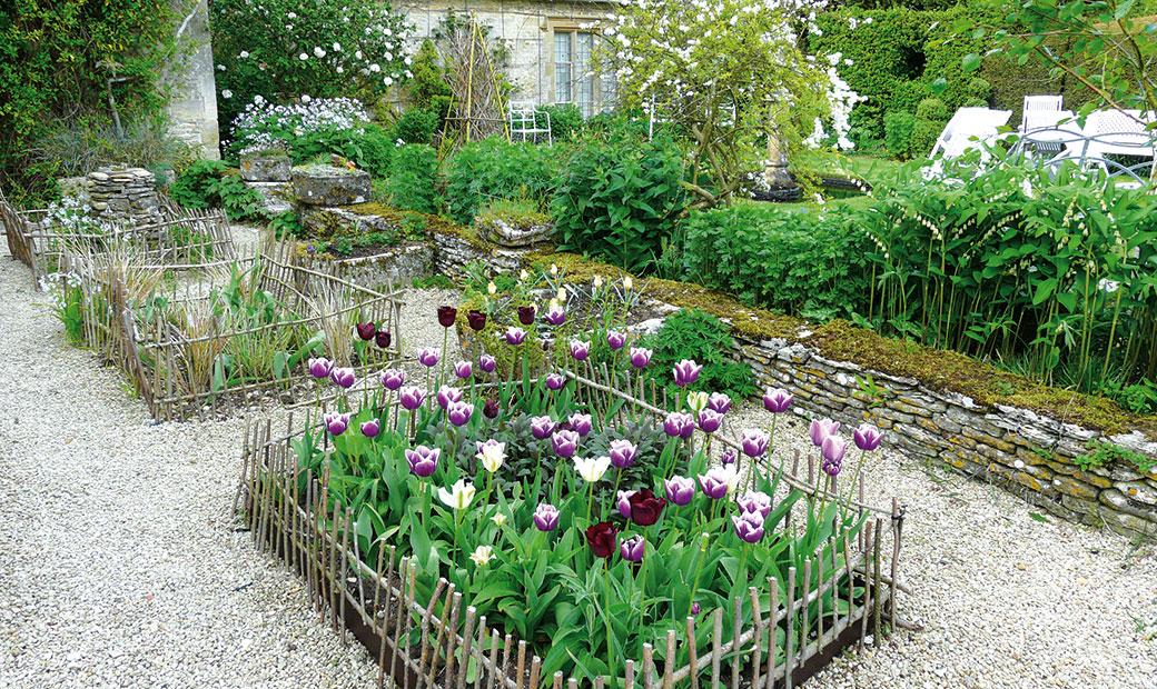 Jak na celoročně atraktivní zahradu