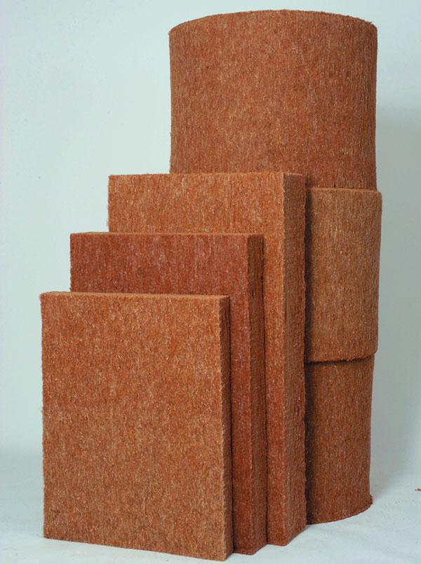 TERMO-KONOPÍ PREMIUM je ekologický přírodní izolační materiál ztechnického konopí, který je plnohodnotnou náhradou běžně používaných izolací.