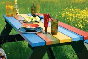 Barvy Xyladecor dřevo velmi dobře chrání, jsou vhodné všude tam, kde chceme uplatnit barevné řešení či sjednotit barevný odstín. FOTO AKZO NOBEL