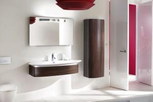Kolekce Presqu'île od amerického výrobce koupelnového vybavení Kohler. Kompletní vybavení vaší koupelny v elegantním, nadčasovém designu. Nabízí Koupelny Ptáček. FOTO KOHLER