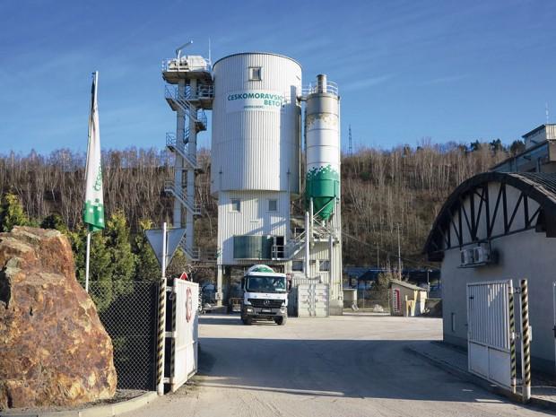 Drátkobeton STEELCRETE se začíná míchat na betonárně podle zvolené receptury. FOTO ČESKOMORAVSKÝ BETON