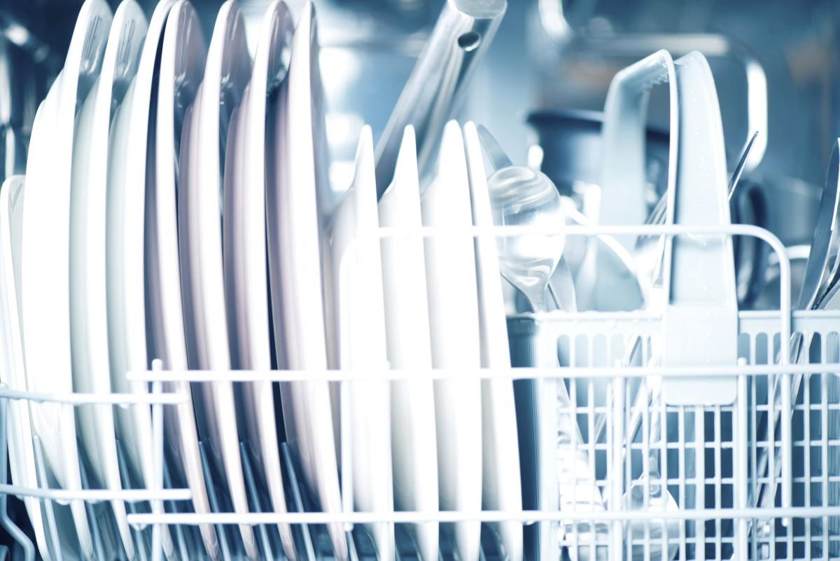 Jak správně ukládat nádobí