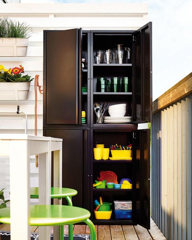 Kovová skříňka Josef, IKEA, 40 x 35 x 86 cm, ocel a plast, bílá nebo černá, 999 Kč