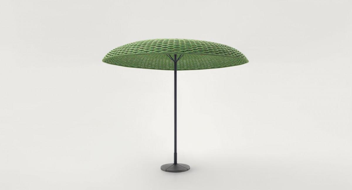 Slunečník Mogambo od značky Paola Lenti, průměr 250 cm, 100 % polyolefin, melírovaná struktura, velký výběr odstínů, www.konsepti.com, cena na vyžádání