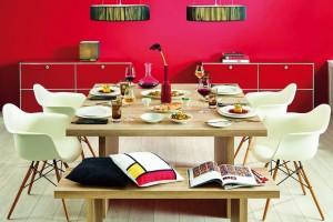 Bílý, kulatý talíř nikdy nevyjde zmódy. Jídlo na něm nejlépe vynikne, navíc se hodí kjakémukoli stylu slavnostní tabule ipro běžné, každodenní stolování. FOTO Villeroy & Boch