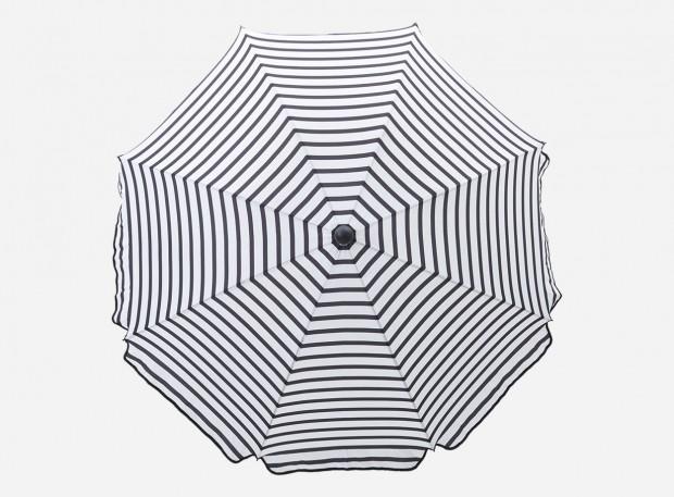 Slunečník Black&White Oktogon od značky House Doctor, výška 184 cm, průměr 180 cm, 100 % polyester, www.nordicday.cz, 902 Kč