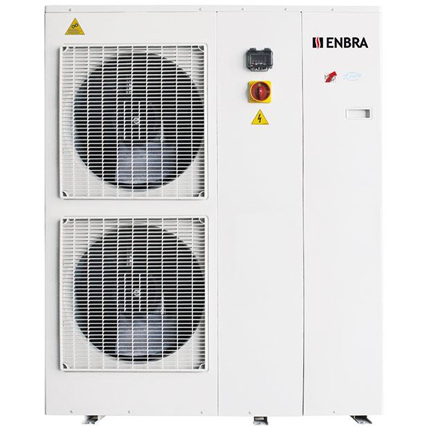 Tepelné čerpadlo ENBRA i-HWAK (monoblok) patří mezi úsporné zdroje tepla smožností chlazení ařízeného odvlhčování (ve spojení sfan-coily). Díky plynule řízenému výkonu kompresoru, oběhového čerpadla aventilátorů (3x DC invertor) dosahuje vysoce hospodárného atichého provozu. Čerpadlo má energetickou třídu A++, rozhraní pro nadřazenou regulaci: 0–10 V. Umožňuje vzdálený přístup přes internet (sregulátorem Hi-T) acelkově snadnou instalaci bez zásahu do chladicího okruhu. FOTO ENBRA