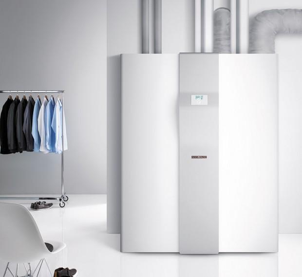 Tepelné čerpadlo LWZ 304/404 SOL představuje kompaktní systém s funkcemi větrání s rekuperací tepla až 90 %, topení, příprava teplé vody a chlazení.