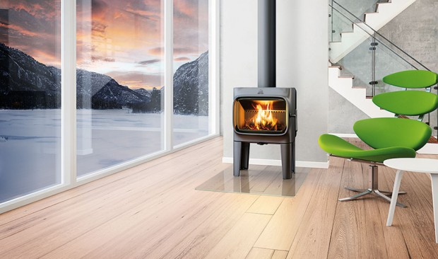 Nadčasový design řady Jøtul F 305 vytvořilo norské designérské studio Anderssen & Voll.
