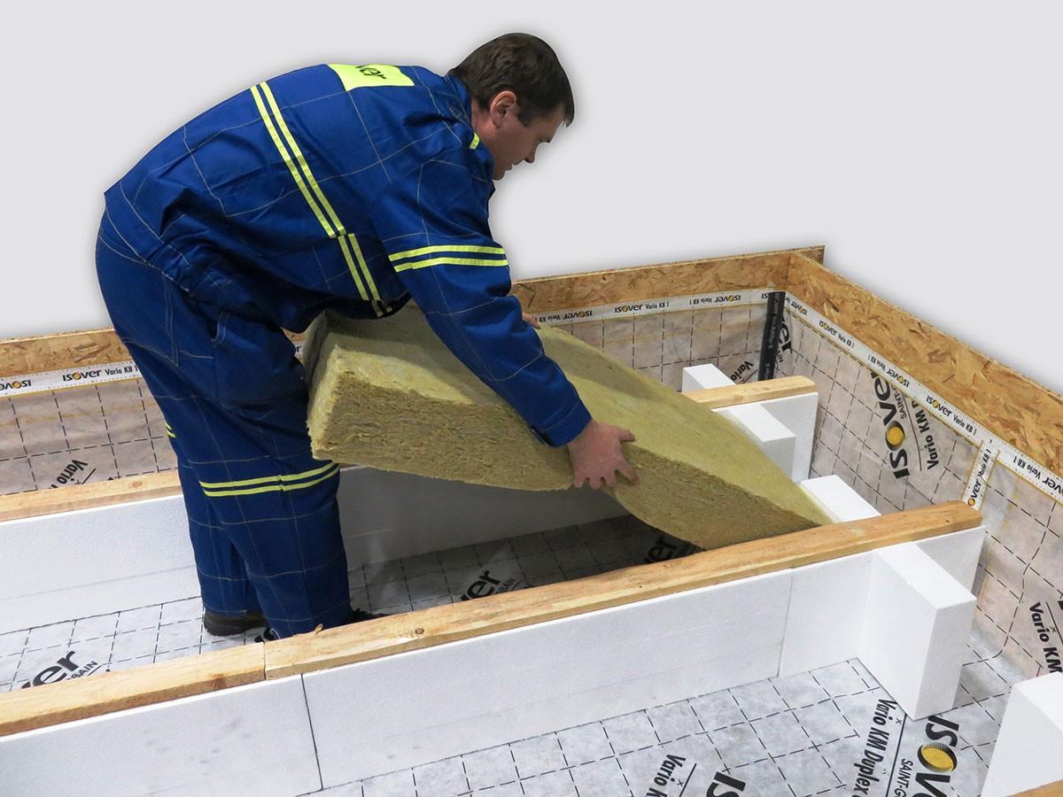 6. Vkládání bez řezání izolace Orsik (Uni) 600x1200 mm. (Doporučujeme položit dvě vrstvy na vazbu.)