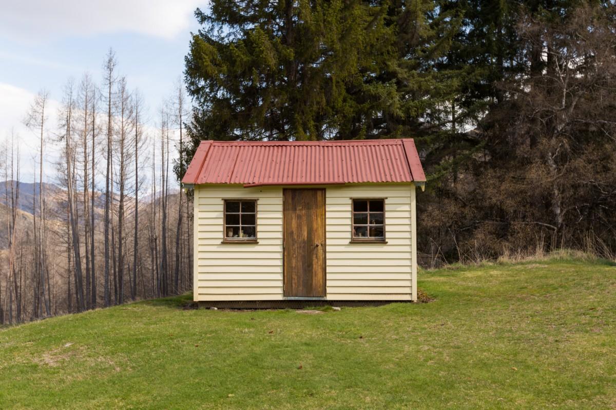 Malá chata v horách