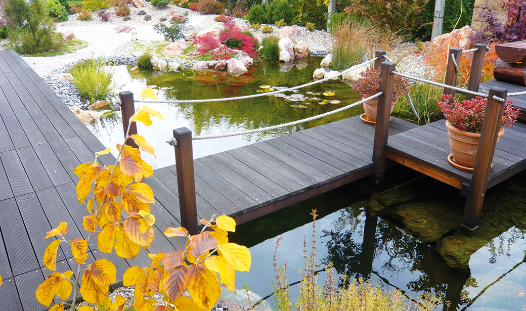 Rodinná zahrada ve Slaném krásná i na podzim