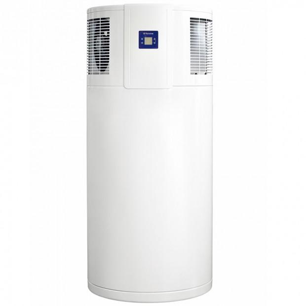 Tepelná čerpadla na přípravu teplé vody Tatramat TEC mají objem zásobníku 220 nebo 300 litrů ajsou vybavena jednoduchou elektronickou regulací sLCD displejem.
