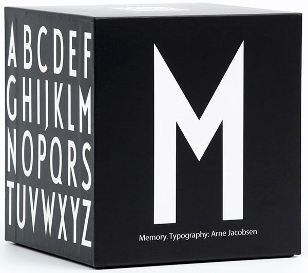 Pexeso Abeceda s písmeny od Arne Jacobsena, Design Letters, prodává Designville.cz, 690 Kč