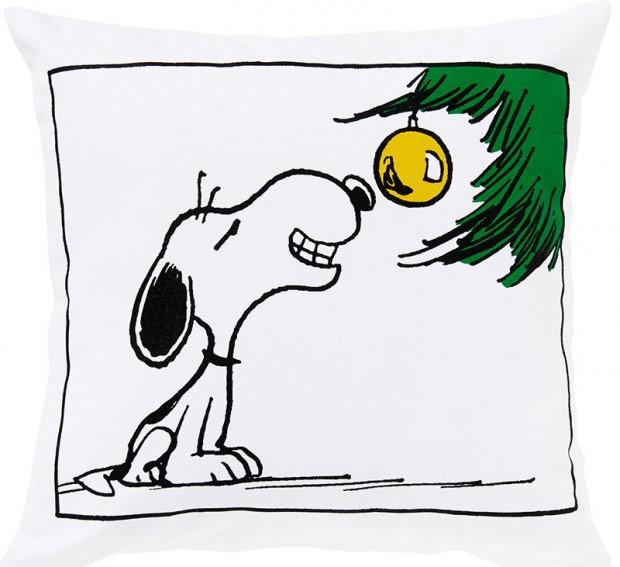 Dekorační polštář se Snoopym, Peanuts, prodává Butlers, 399 Kč