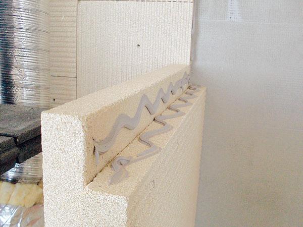 9. NAPOJOVÁNÍ DESEK Desky spojujte pomocí lepidla natupo nebo na polodrážku. FOTO BALTKAMA.LT