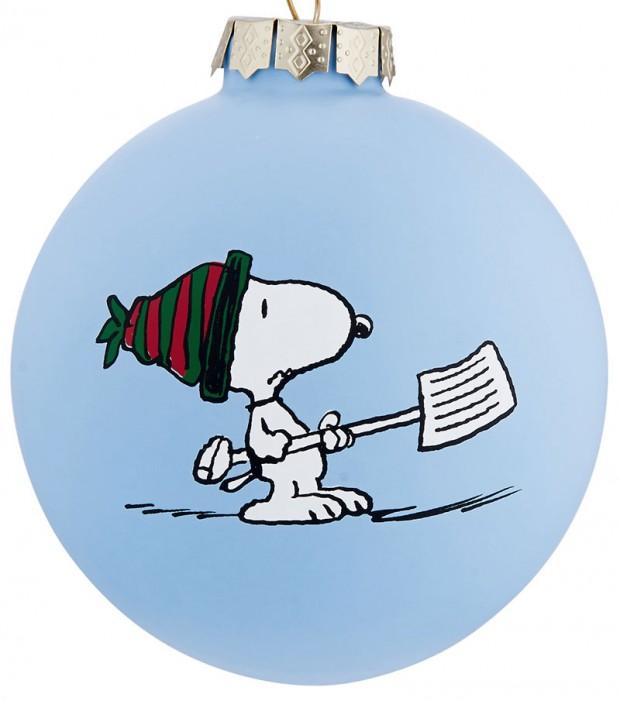 Skleněná ozdoba se Snoopym, Peanuts, prodává Butlers, 149 Kč