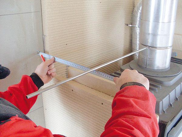 12. REGULAČNÍ KLAPKA Vměkké stěně je lepší použít kovové lůžko, neboť se vní může vydrat dírka. Jako lůžko použijte např. kousek kovové trubičky. Lůžko se samostatně neprodává. FOTO BALTKAMA.LT