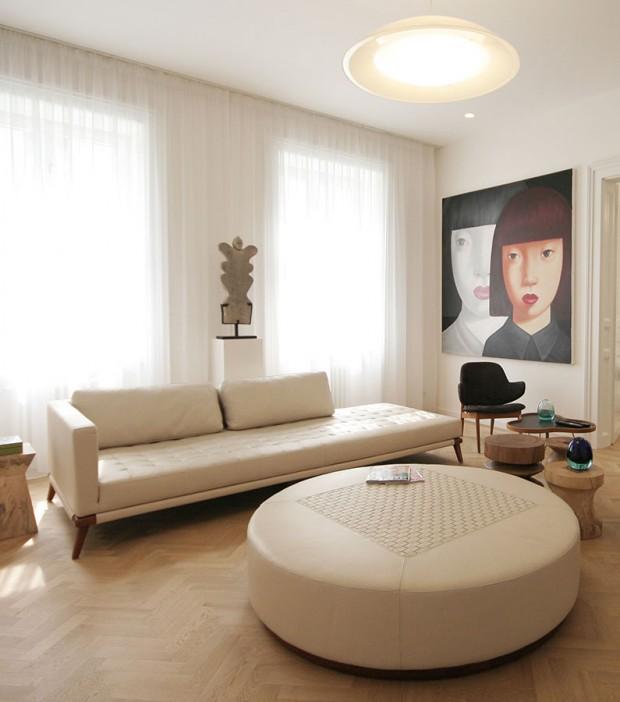 Kouzlo doplňků z Jihovýchodní Asie dodá modernímu interiéru jen jemný poprašek exotiky. Základním vzorem pro dosažení elegantního prostoru by však měla být střídmost a nadčasovost. (foto: Ing. arch. Martin Križan)