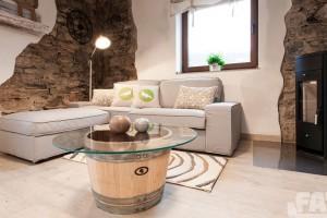Jak proměnit ničím nezajímavý obývací pokoj v útulný společenský prostor?
