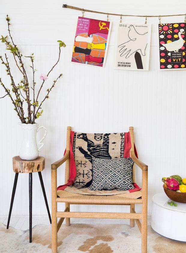 Nový život tapisérie s ručně vyšívaným vzorem tygra může mít podobu přikrývky na křeslo. Originály seženete na www.projectbly.com. (foto: Project Bly)