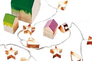 Perníčková světýlka? Přemýšlíte, zčeho vykouzlit vánoční světelný řetěz? Nechte zazářit obyčejné formy na perníčky. Takový a podobné řetězy (i jiné dekorace) najdete na www.notonthehighstreet.com.