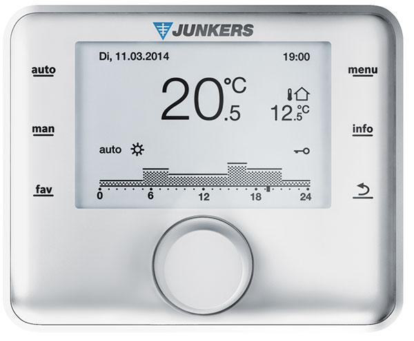 Novéekvitermní regulátory teploty Junkerssledují venkovní teplotu azároveň počítají také svlivem skutečné vnitřní teploty. Dle toho následně přizpůsobí výkon plynového kotle. FOTO JUNKERS BOSCH