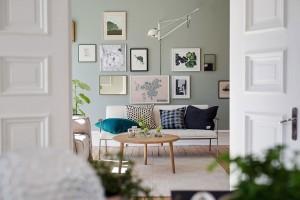 Byt o rozloze 92 m² je zařízen v typickém severském stylu, který dbá na přirozenost, jednoduchost a přívětivost prostoru. Foto: Alvhem