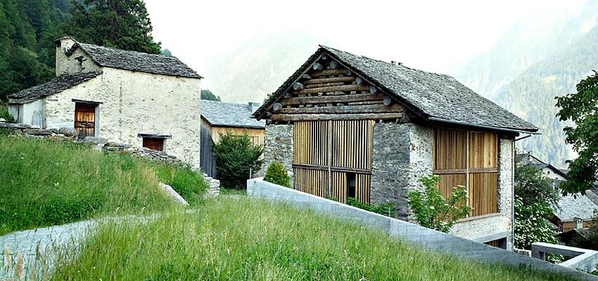 Nevyužitou stodolu proměnili na pozoruhodný dům