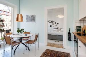 Jídelní kout je prostorný a poskytuje prostor pro klidné a komfortní společné stolování. Foto: Alvhem