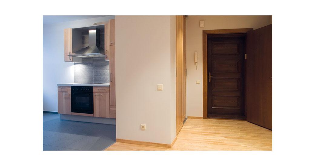 Jak obnovit vzhled starých dveří, aby opět vypadaly důstojně