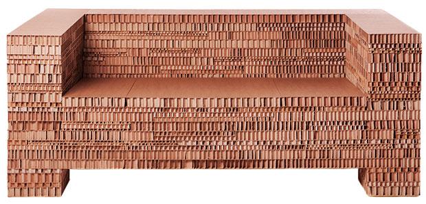 """Speciální kolekci Luxury Dwelling navrhl významný český designér Jiří Pelcl pro galerii Grosseti na Milano Design Week 2011. Měla být parafrází pojmu """"luxus"""" v dnešním světě posedlém designem, ale také ukázala obdivuhodné možnosti papírové lepenky."""