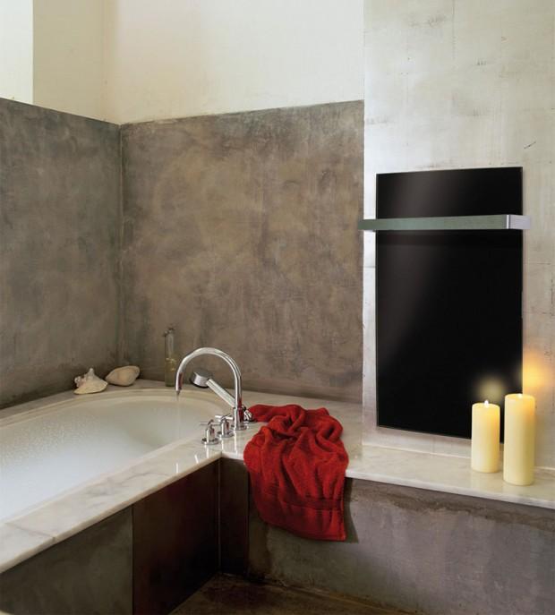 černy GRT panel v koupelně