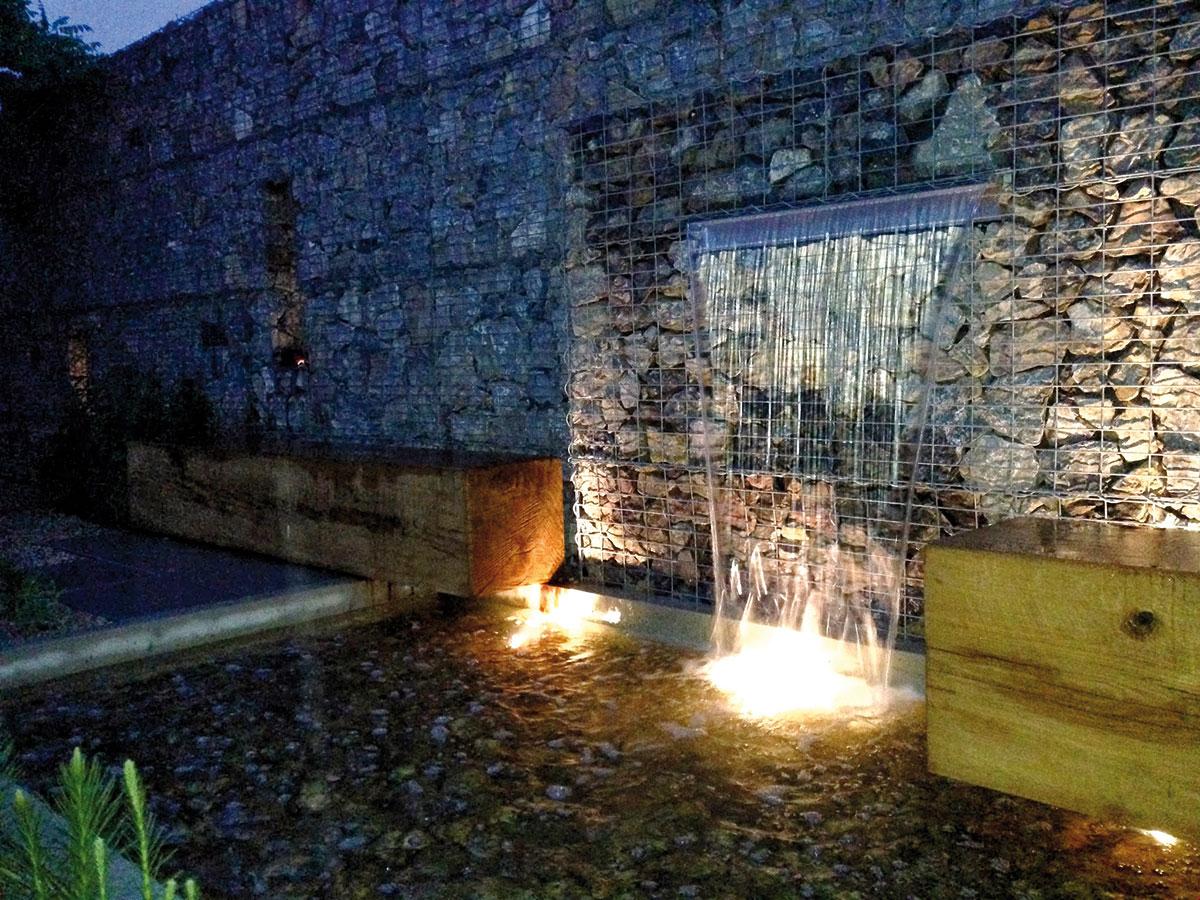 Zejména boom úsporné technologie LED způsobil rostoucí popularitu zahradního osvětlení.  FOTO ATELIÉR FLERA