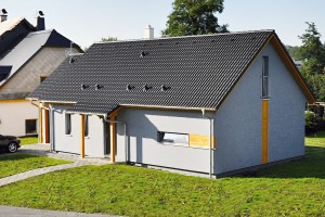 Energeticky úsporný rodinný dům LARGO Economy 85 od RD Rýmařov splňuje veškeré požadavky pro stavbu domů v chráněné krajinné oblasti.
