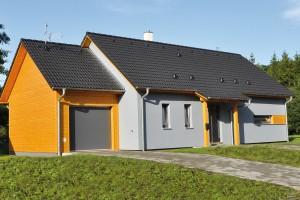 Energeticky úsporný rodinný dům LARGO Economy 85 od RD Rýmařov splňuje veškeré požadavky pro stavbu domů v chráněné krajinné oblasti. FOTO RD RÝMAŘOV