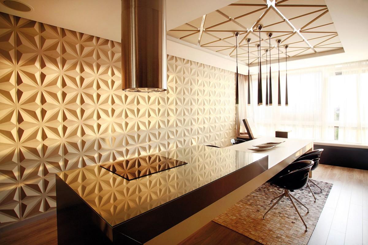 Tvarované povrchy stěn nejvíc vyniknou při západu slunce. Paprsky na nich rozehrávají působivou hru světel astínů. FOTO DAVID TRČKA