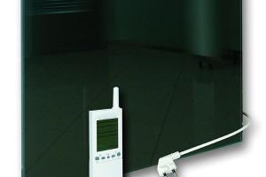 Panely GR SET jsou standardní skleněné panely GR, jsou však již zvýroby opatřeny bezdrátovou regulací apřívodní šňůra je zakončena vidlicí. Jsou tak ideálním řešením pro zákazníka, který hledá komfortní doplňkové topidlo, nezávislé na stávajícím topném systému, smožností jednoduché instalace apřitom splným komfortem regulace. FOTO FENIX JESENÍK