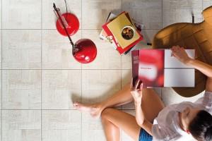 Keramická dlažba patří díky nejvyšší tepelné vodivosti (λ = 1) mezi nejvhodnější podlahové krytiny pro podlahové vytápění. Při výběru je také třeba dbát na celkovou skladbu podlahy FOTO RAKO