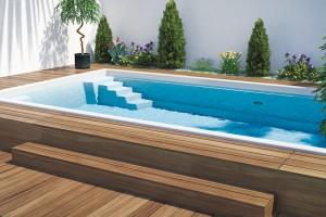 Keramické bazény zřady Excelence mají velmi pevnou atvarově stálou konstrukci. Výhodou je skvělá izolace omezující teplotní ztráty vody. Prodává Mountfield.
