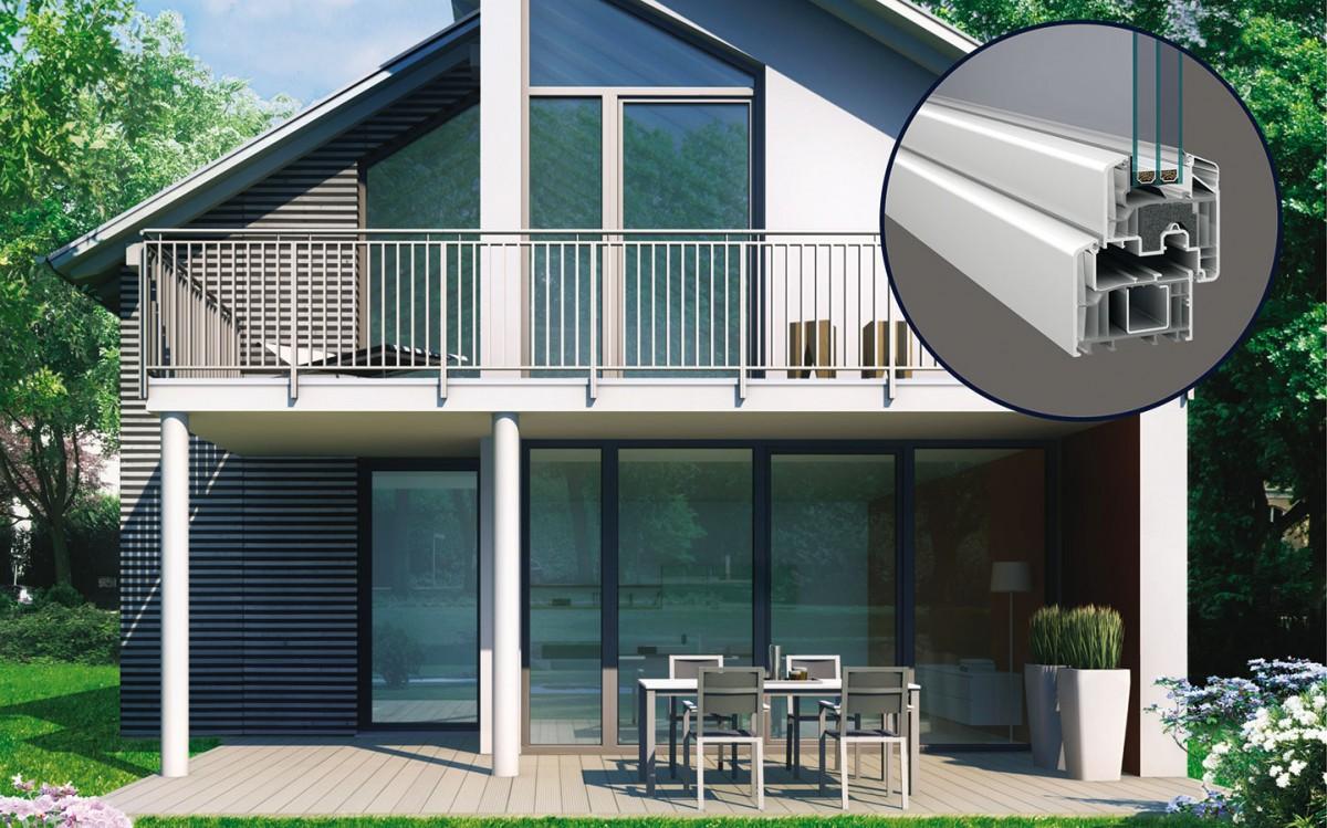 Okenní PVC profily srecyklovaným jádrem. Výrobky Inoutic procházejí tzv. uzavřenou výrobní smyčkou. To znamená, že produkty, které firma vyrobí, po skončení jejich uplatnění následně ve své recyklační lince vBelgii zpracuje. Tato surovina se pak znovu používá pro výrobu nových PVC okenních adveřních profilů srecyklovaným jádrem – EcoPowerCore, aniž by došlo ke zhoršení jejich materiálových vlastností, jako je pevnost, odolnost či tepelně izolační vlastnosti. FOTO INOUTIC