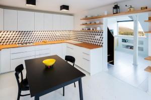 Promyšlená rekonstrukce prvorepublikového bytového domu