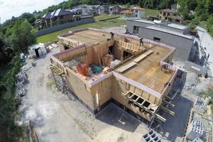 Hrubou stavbu dvoupodlažního zděného nízkoenergetického domu sužitnou plochou 205 m2 zvládla zkušená firma za 3500 000 Kč, včetně základů. foto Greenstudio