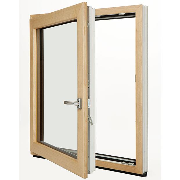 Už žádný kompromis. Kombinovaný okenní profil Eforte Fusion přináší úplně nové možnosti nároků na design atechnické parametry. Kombinuje výhody všech tří běžných profilových materiálů: dřeva, hliníku aplastu. Na plastové okno se umístí zvnitřní strany dřevěný kryt, zvnější pak může být okno zakryto hliníkovým krytem. Tím je dosaženo vynikajících tepelně izolačních hodnot plastového okna spřírodním půvabem dřeva vinteriéru amoderním designem hliníku na venkovní fasádě. FOTO INOUTIC
