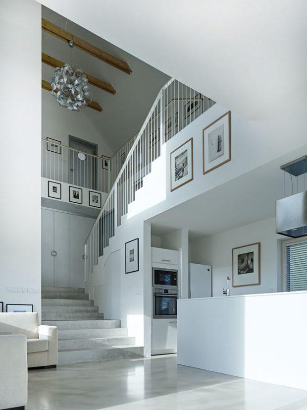Některé interiérové prvky byly schopní aochotní zrealizovat řemeslníci až po delším hledání. Foto BoysPlayNice