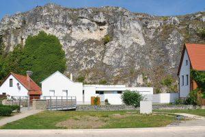 Dům stojí na úpatí kopečku Sv. Benedikta. FOTO Zsolt György Kovács